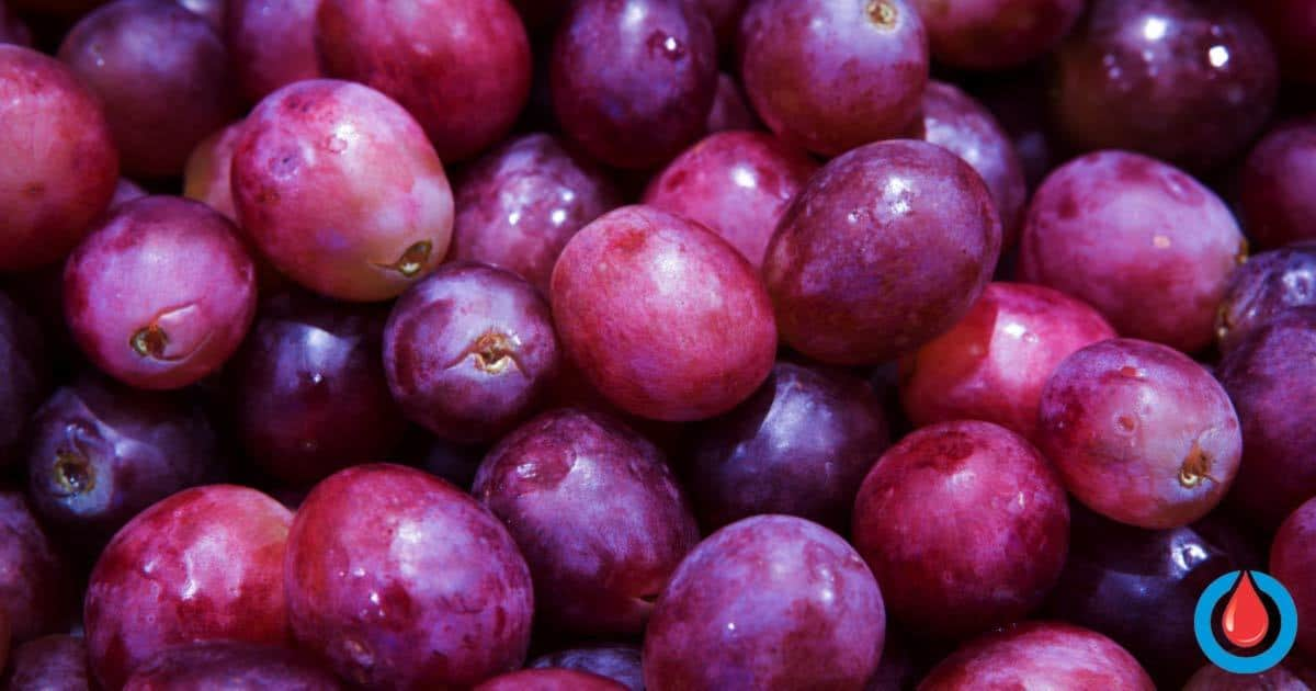 The Right Way to Eat Grapes for Each Type of Diabetes