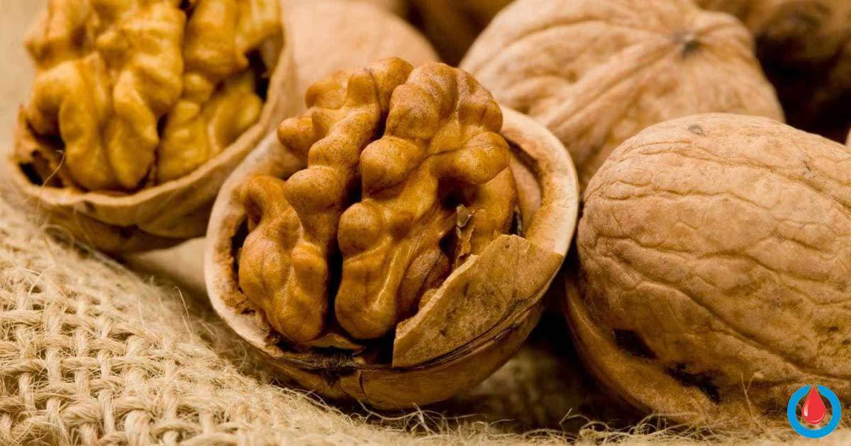 6 Mind-Blowing Reasons to Start Eating More Walnuts