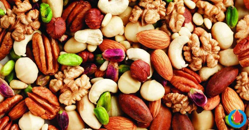 The Many Health Benefits of Nuts That Will Make You Eat Them More Often