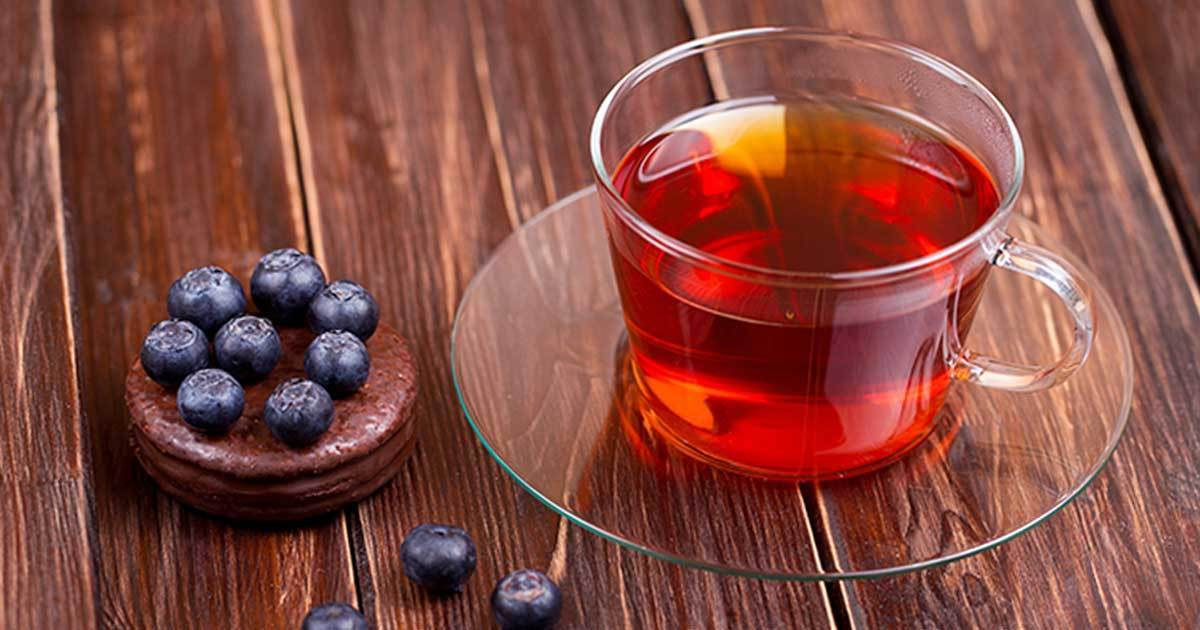 9 Reasons Why Everyone Should Drink Blueberry Tea